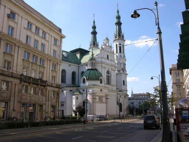 Kościół_Najświętszego_Zbawiciela_od_strony_ulicy_Marszałkowskiej